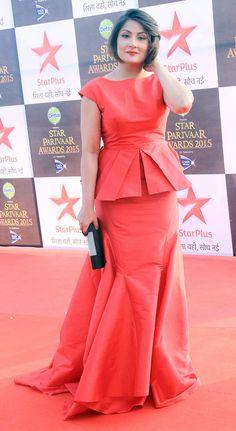 Urvashi Dholakia in a peplum dress at the 15th Star Parivaar Awards. #Bollywood #Fashion #Style #Beauty