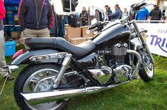Triumph Thunderbird 1600 black Triumph Thunderbird 1600, Triumph Motorcycles, Motorbikes, American, Black, Triumph Bikes, Black People, Motorcycles, Motorcycle