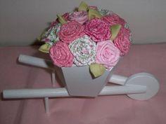 carriola-g-com-flores-em-tecido.jpg (580×435)