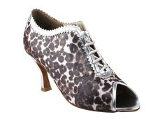 Very Fine Shoes Ladies' Latin Rhythm and Salsa Competitive Dancer Series CD3023 3' Heel * Click image for more details.