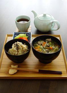 Japanese Lunch: Brown Rice, Vegetables and Pork Miso Soup (Tonjiru), Pickles, Hojicha Brown Tea (Taiyaki Chopstick Rest) 豚汁の昼食