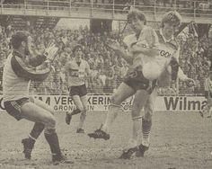 05-05-1985: Spannende remise tussen #FCGroningen en #RodaJC (2-2). Foto: Rob McDonald schiet de 1-1 binnen #grorjc