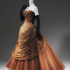 """Swan"" dress, by Charles James, ca. 1954. Metropolitan Museum of Art  I post the ""Swan"" dress often as it's probably my favorite Charles James gown! Luckily, there are a few different color variations to keep it interesting ❤️❤️"
