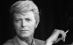 David Bowie, bürgerlich David Robert Jones (* 8. Januar 1947 in Brixton, London; † 10. Januar 2016 in New York), war ein britischer Musiker, Sänger, Produzent, Schauspieler und Maler.
