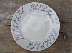 """Soviet Vintage Plate; Mid Century Riga Porcelain Factory Dessert Plate; Retro Plate with Blue & Rust Graphic Pattern 7""""/ 18cm Small Plate"""