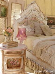 Nice 50 Stunning Shabby Chic Bedroom Decorating Ideas. More at https://50homedesign.com/2017/12/23/50-stunning-shabby-chic-bedroom-decorating-ideas/
