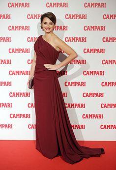 Penelope Cruz on the Red Carpet in Milan