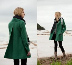 eabb2113a900 Cape Coat, Wool Cape, Green Jacket, Pretty Outfits, Cool Outfits, Fashion