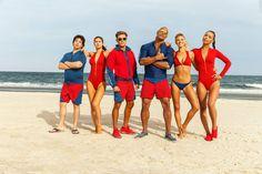 Die heißesten Rettungsschwimmer von Malibu kommen 2017 zurück ins Kino. In den Hauptrollen sehen wir Dwayne The Rock Johnson und Hottie Alexandra Daddario. Hier seht ihr den Baywatch Der Film Teaser Trailer ➠ https://www.film.tv/go/35961  #Baywatch #BaywatchMovie #Baywatch2017