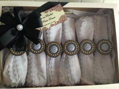 Esse presente escolhido pela minha cliente Simone com certeza foi sucesso! Afinal quem não gostaria de um conjunto desses?