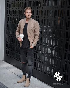mens jeans ripped -- Click VISIT link above for more options Ripped Jeans Men, Cool Outfits For Men, Moda Blog, Moda Chic, Herren Outfit, Street Wear, Menswear, Men Casual, Streetwear Men