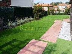 Decoración de jardines y terrazas paradisfrutar los 365 días del año.     Galería de imágenes de trabajos realizados por BIZKAIGRASS.      Galeria Principal
