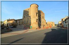 Connaissez vous Saint Hippolyte dans les Pyrénées Orientales ?... Cette commune peu médiatisés garde de nombreux souvenir de son passé tumultueux. Tour défensives, archères, remparts se devinent et se déguste à chaque coin de rue.