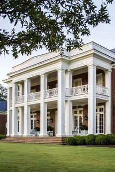 Southern Plantation Homes, Southern Mansions, Southern Plantations, Southern Homes, Plantation Houses, Greek Revival Architecture, Southern Architecture, Architecture Design, Classical Architecture