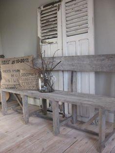 Oud houten eetkamer bankje | Zitmeubelen | Leonie's