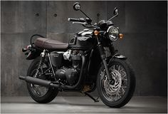 This is the news that we have been waiting for! Triumph have presented the next generation of Bonneville motorcycles! The new range has been built from ground up and includes the all-new T120 and T120 Black models, they are more powerful (feature a n