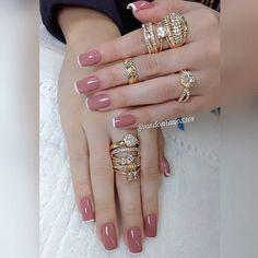 Nails: as francesinhas que nunca saem de moda - Glanz Elegant Nails, Stylish Nails, Maybelline Nail Polish, Acrylic Nails, Gel Nails, Country Nails, Chevron Nails, Nail Art Studio, Nail Arts