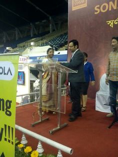 Announcing prize winner at Sonar Sansar jewellery exhibition  Kolkata