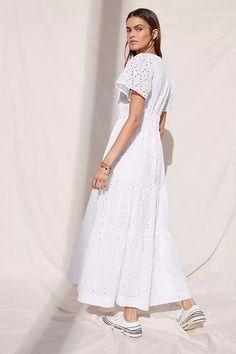 Irish Warrior, Warrior Queen, 50 Fashion, White Fashion, Somerset, Anthropologie Uk, Models, Purple Flowers, White Dress