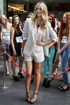 Jennifer Hawkins at Sydney Australia's Next Top Model... Legs!!!