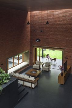 Brick wall decor will give a lovely flair to your home! Be it sumptuous or country-like, the brick facade deserves a place in your home! House Wall Design, Brick House Designs, Brick Design, Modern House Design, Village House Design, Village Houses, Brick Interior, Home Interior Design, Design Interiors