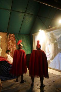 Herodes i els seus soldats maquinen com aturar l'ascens del Messies. Foto de l'edició de l'any 2013. Painting, Dresses, Fashion, Vestidos, Moda, Fashion Styles, Painting Art, Paintings, Dress