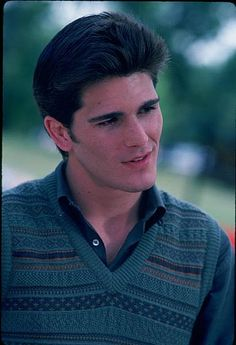 Jake Ryan.. sigh... if you're a woman who grew up in the 80s, then he was your first crush. And you're lying if you say not. :D