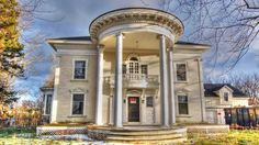 Hunting for a bargain? Located in Michigan, this week's most popular home needs a buyer who can restore the foreclosed property to its former glory.