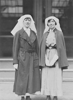 WWI Canadian Nursing Sisters: Sister Guillbride wearing a French trench coat Sister McLeod wearing her nursing cape at her Royal Red Cross investiture ceremony at Buckingham Palace. History Of Nursing, Investiture Ceremony, Canadian Soldiers, Nursing Profession, Vintage Nurse, Royal Red, World War One, Women In History, Poses
