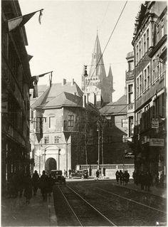 Кёнигсберг. Вид с Французской улицы на Королевский замок. Фото ок. 1930 года