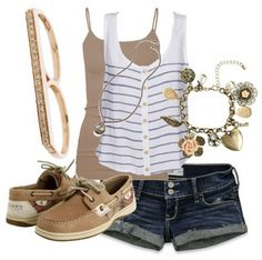 This is a cute summer outfit:)