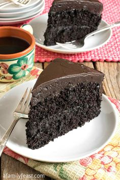 Nanny's Black Midnight Cake – A Family Feast ® Nanny's Black Midnight Cake Nanny's Black Midnight Cake – A delicious black midnight chocolate cake – an old family recipe that has been passed down through generations! Dark Chocolate Cakes, Homemade Chocolate, Chocolate Recipes, Chocolate Ganache, Chocolate Cream Cheese Frosting, Chocolate Dipped, Sweet Recipes, Cake Recipes, Dessert Recipes