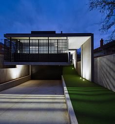 A bold modernist house was design and built for a art loving family. The home was designed by Maddison Architects who have a wonderful portfolio.