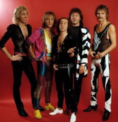 http://www.express.de/promi-show/50-jahre-scorpions-scorpions---mit-66-jahren-sind-wir-wieder-cool-,2186,30024748.html