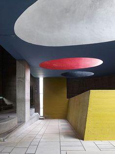 couvent Sainte Marie de la Tourette, Le corbusier