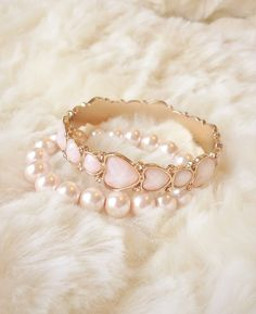 Pretty pink bangle set