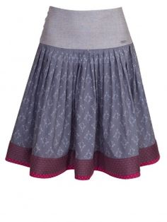"""Die Rockmacherin Rock Maipfeiferl Y, apfel-olivgrün High-quality traditional skirt from a lovingly compiled color combination of the designer """"The Rock Maker"""". The wide waistband is a … The Rock, Traditional Skirts, Life Is Beautiful, Color Combinations, Cheer Skirts, Taupe, Ballet Skirt, Couture, How To Wear"""