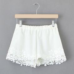 white boho shorts // lalalilo.com // #springstyle #bohostyle