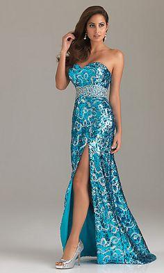 dresses like these, make me wanna go to prom <3