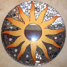 Espejo Sol con espejos reciclados. Sun mirror, recycle broken mirror