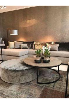Small Living Rooms, Home Living Room, Living Room Designs, Living Room Decor, Cozy Living, Coffee Table And Ottoman Combo, Ottoman Table, Coffee Tables, Ottoman Decor
