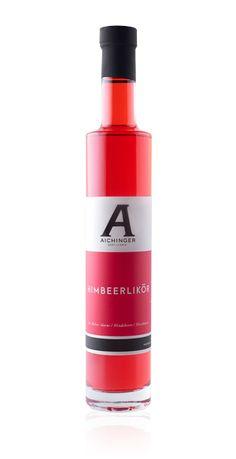 Unser Himbeerlikör überzeugt nicht nur in seiner kraftvollen Farbe, sondern auch durch seinen beerigen Geschmack. Drink Bottles, Vitamins, Water Bottle, Lipstick, Drinks, Day Off, Farm Shop, Raspberries, Holiday