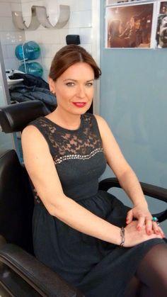Susana Luquin, presentadora de Antena Aragón, combina dos de los solitarios Yomime para completar su outfit.  http://yomime.es/shop/sortijas/35-solitaros.html