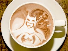 The best part of waking up is batman in your cup. But really, what's better than a great cup of coffee? Straight from the Freemont Coffee Company in Seattle, Wash. comes some super geeky and totally awesome coffee art Coffee Latte Art, My Coffee, Coffee Cups, Drink Coffee, Coffee Break, Black Coffee, Morning Coffee, Coffee Tables, Coffee Zone