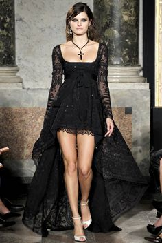 Emilio Pucci Gothic Gown   Wow !