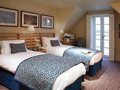queen/twin bedroom headboard