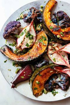 In the Kitchen With: Greta, Dani, and Colin's Roasted Vegetables – Food: Veggie tables Vegetable Recipes, Vegetarian Recipes, Healthy Recipes, Vegetarian Grilling, Healthy Grilling, Veggie Food, Vegetable Drinks, Side Dish Recipes, Dinner Recipes