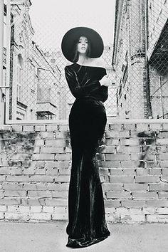 56 Ideas for dress velvet grunge nu goth Witch Fashion, Dark Fashion, Gothic Fashion, Style Fashion, Mode Sombre, Pin Up, Tokyo Street Fashion, Floppy Hats, Hipster Grunge