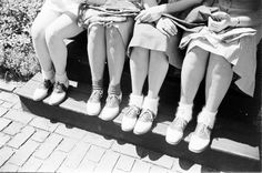 Close-up of Wellesley College girls in matching saddle shoes and a variety of ankle socks, Wellesley, Massachusetts, Get premium, high resolution news photos at Getty Images Little Girl Fashion, Kids Fashion, Ladies Fashion, Retro Fashion, Fashion Tips, Wellesley College, Bobby Socks, Teddy Girl, Saddle Shoes