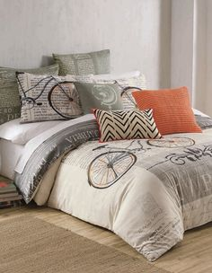 A retro bicycle print lends a Parisian-chic vibe to a duvet that appeals to any style-savvy world traveler.
